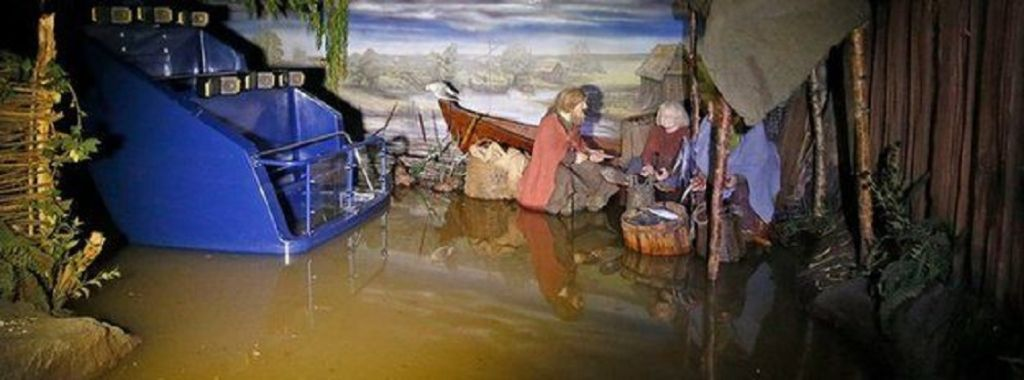 UK floods: Storm Frank threatens more misery