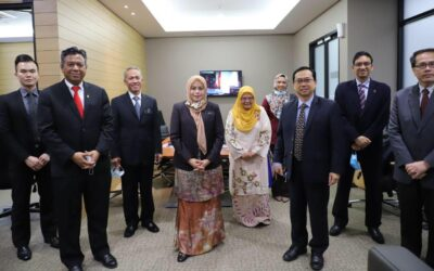 Prof Datuk Ts Dr. Ahmad Fauzi Ismail met with the Minister of Higher Education Dato Dr. Noraini Ahmad